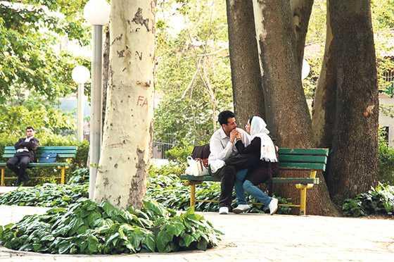 Taktıkları Başörtüden Rahatsız Olmayanların Sokak Ortasında Yakalanan 15 Ofsayt Karesi - 1