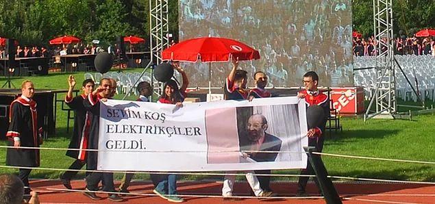 Mühendislik Fakültesi Mezunlarının Sol Lobunu Kullanarak Hazırladığı Pankartlar - 1