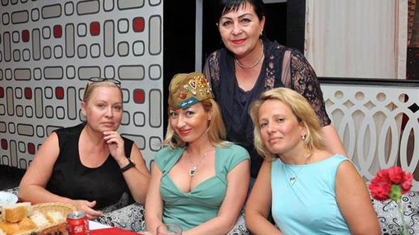 Edirne'de Gece Alemlere Akan Rus Mankenlerin Sosyal Medyada Çok Tıklanan 15 Fotoğrafı - 1