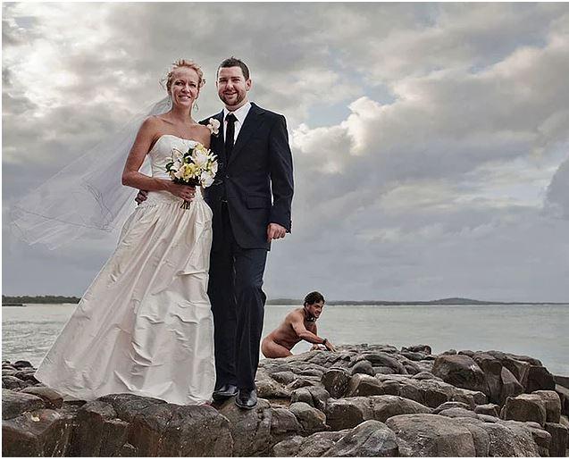 Evlilik Fotoğraflarına Bakıp Kahkahalara Boğulacağınız 16 Çiftin İnanılmaz Trollenme Vakaları - 1