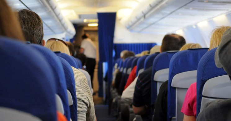 Bindiği Uçakta Babasının Çiftliğindeymiş Gibi Davranan 15 Gıcık İnsan