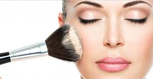 Makyajda En Yeni Trend, Kaş Pudralama Yöntemi