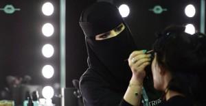 Beklenen Oldu, Arabistan'da Görmeye Alışkın Olmadığımız Moda Haftası Gerçekleşti