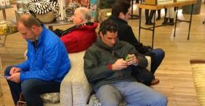 Alışveriş Yapan Eşlerini Beklerken Ömürlerinden Ömür Giden 15 Kişi