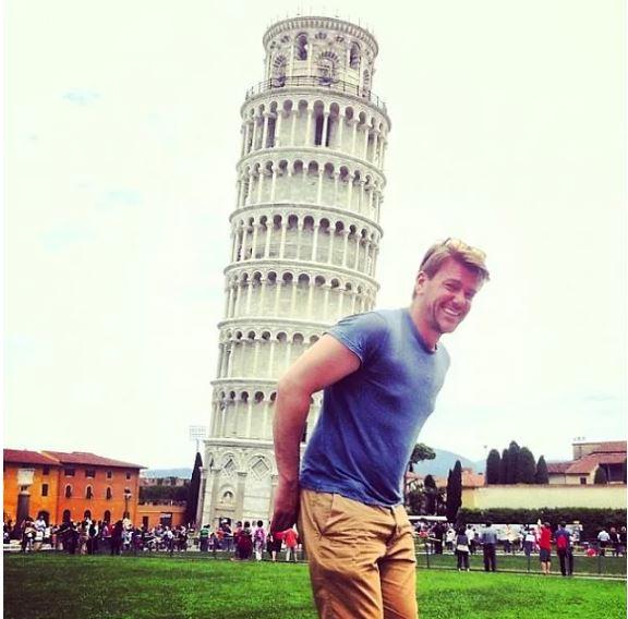 'Pisa Kulesi ile Poz Vermek Klişe' Diyenlere İnat Yaratıcı Turistlerden 15 Havalı Fotoğraf - 1