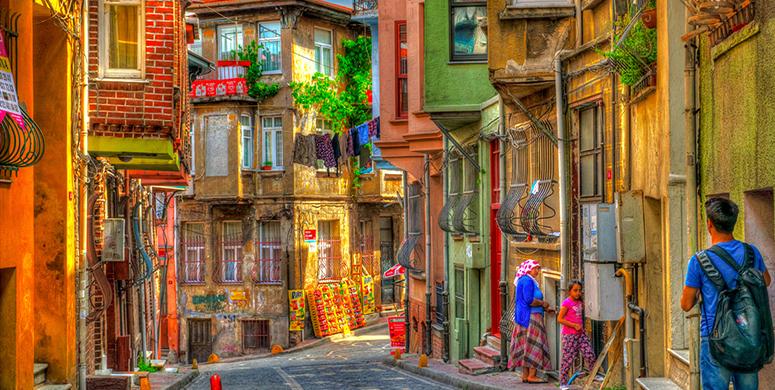 Tarihi Balat'ta Kahvenizi Yudumlayacağınız 8 Sıcak Mekan - 1