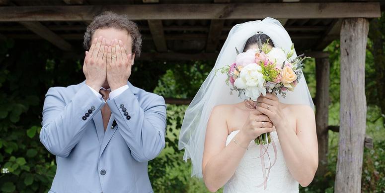Evli Apaçilerin Birbirinden Tuhaf Düğün Fotoğrafları - 1