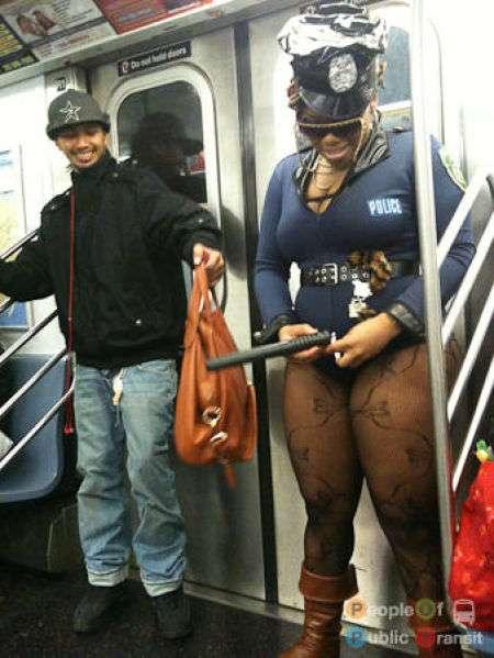 Yaptıkları İle İnsanı Metroya Binmekten Soğutacak 15 Metro Müptezeli - 1