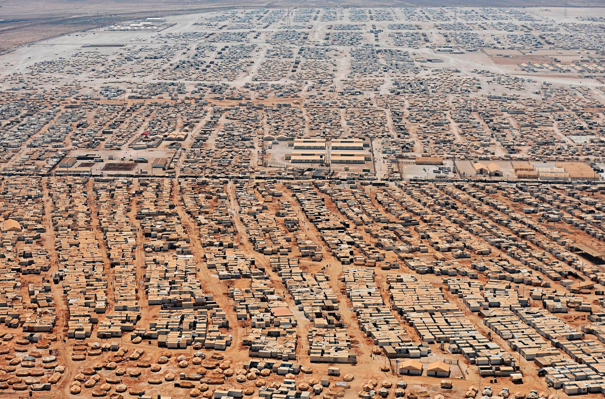 İyi Şeyler de Oluyor: Ürdün'de Dijital Para ile Alışveriş Yapılan Mülteci Kampı - 1