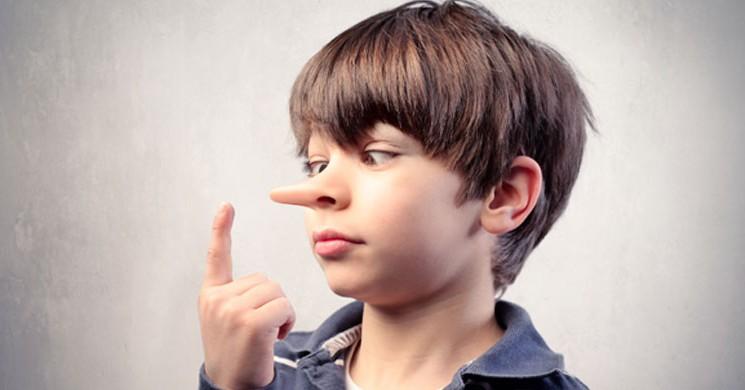 Birinin Size Yalan Söyleyip Söylemediğini Anlamanın 8 Yolu!