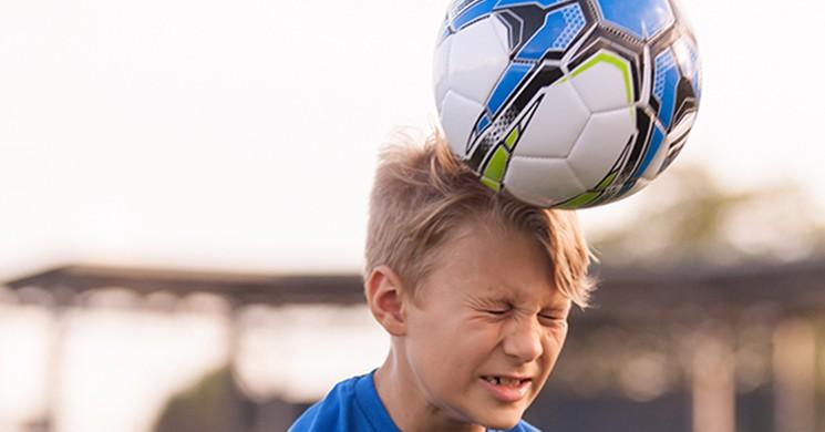 Futbolda Devrim! Topa Kafa Vuruşu Yapmak Yasaklanıyor
