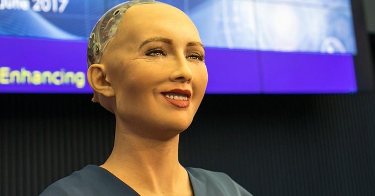 İnsan Robot Sophia'dan İnsanları Yok Edeceğine Dair İlginç Yorumlar