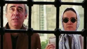 Türk Sinemasının Absürt Sahneleriyle Dalga Geçen Harika Sahne