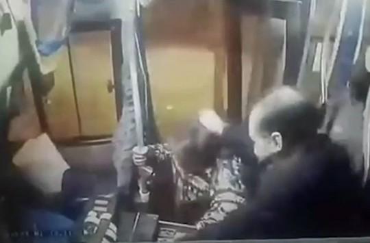 Otobüs Şoföründen Unutulmaz Bir Dayak Yiyen Acemi Hırsız