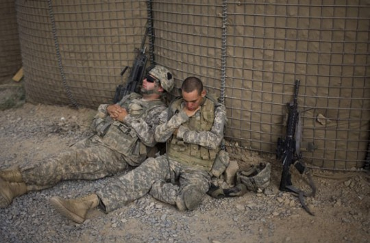 Uyuyan Askerlere Yapılan Acımasız Şakalar