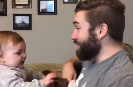 Babasını Sakalsız Gören Bebeğin İnanılmaz Tepkisi
