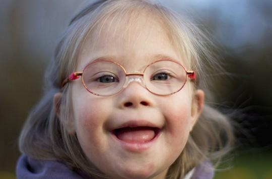 Down Sendromlu Minik İle Öğretmeninin Eğlenceli Düeti