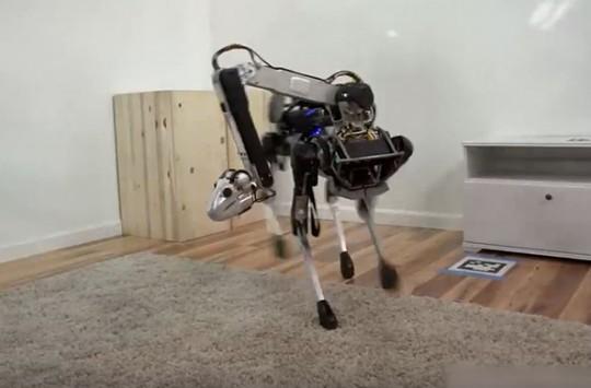 Yakın Gelecekte Ev İşlerimizde Yardımcımız Olacak Efsane Robot
