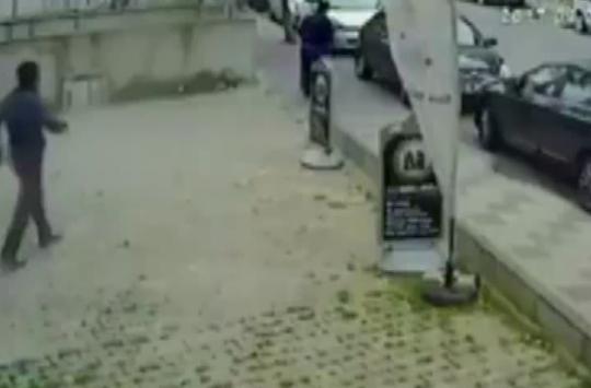 Kadına Şiddet Kameralara Yakalandı