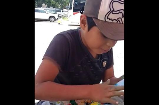Kaşık ve Yongaların Üzerine Muazzam Çizimler Yapan Sokak Sanatçısı Çocuk