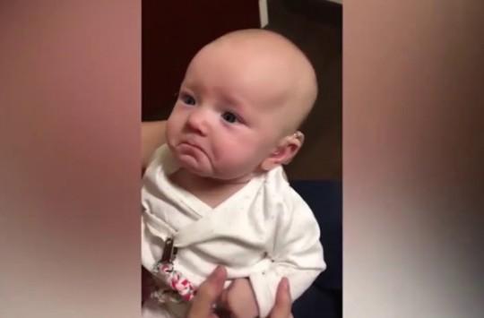 İşitme Engelli Bebeğin, Annesinin Sesini Duyduğu İlk An!