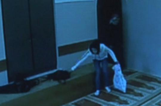 Camide Çantasını Çalan Hırsıza Böyle Seslendi!