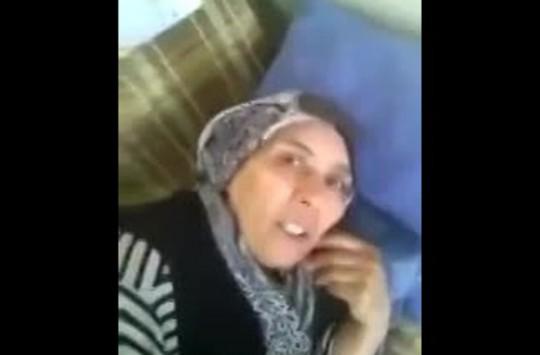 Annesinin Suyuna İlaç Atıp Sonra Videoya Çeken Çocuk!