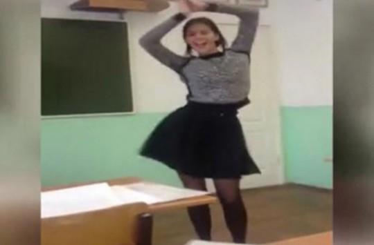 Genç Kızın Sınıftaki Dansı İzlenme Rekorları Kırdı!