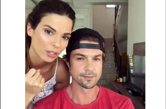 Sosyal Medyanın Fenomen Çifti Larissa ve Burak'tan Sevimli Makyaj Dersi