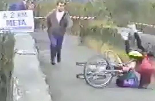 Yarışta Yaptığı Hileden Sonra Hileye Tövbe Eden Bisiklet Sürücüsü