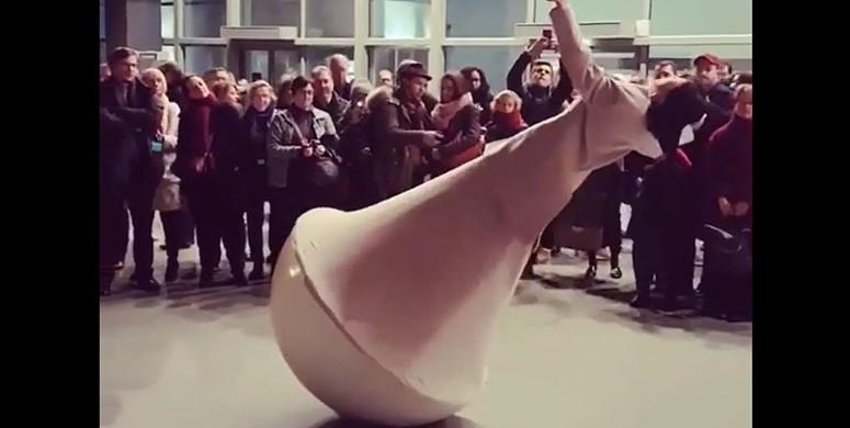 Sanatçı Yoann Bourgeois'den Muhteşem Gösteri